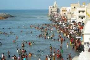 BATHING AT GOMTI GHAT Dwarka