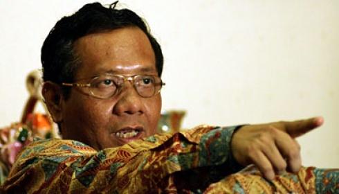 Mahfud MD Ingatkan Presiden dan Mendagri Menonaktifkan Ahok