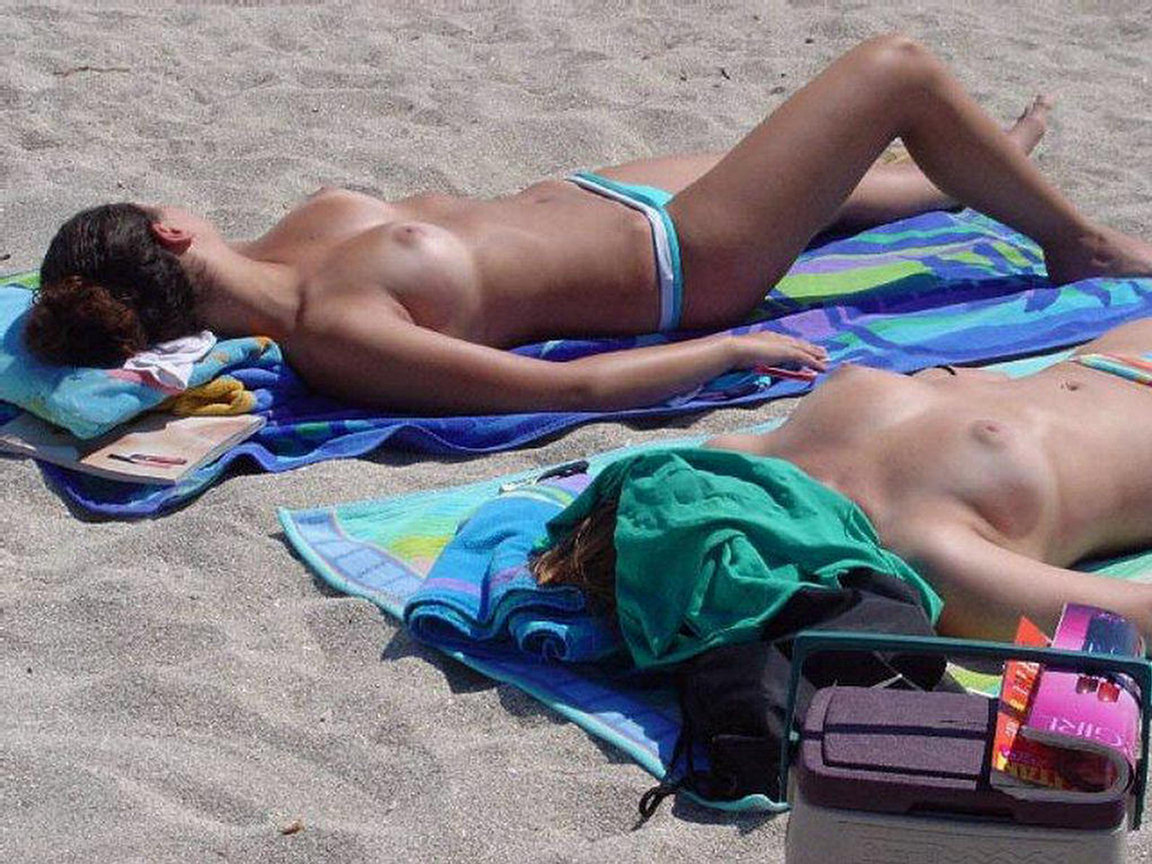 pictures-topless-sunbathers-beach-hot-fuck-aunty-fake