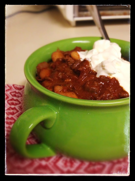 Snow day chili with beans and a hint of cocoa