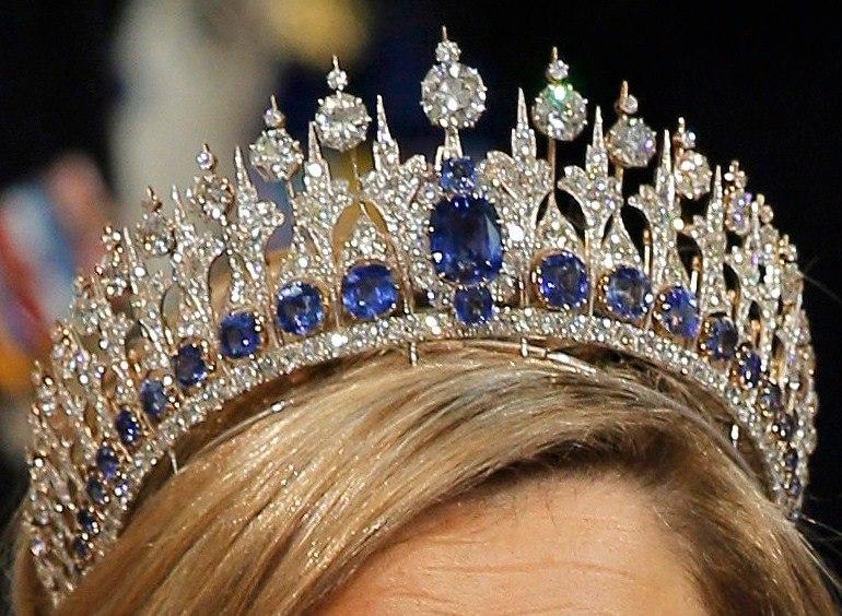MIS JOYAS REALES Tiara de Zafiros  Casa Real de los