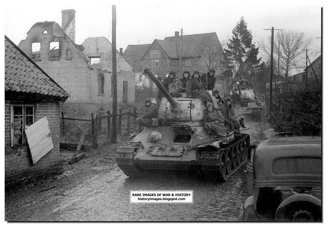 https://3.bp.blogspot.com/-p3yf1u-qSqY/ToVnvAermwI/AAAAAAAAGhQ/RbsZjaoixog/s1600/russian-t-34-tank-germany-1945.jpg