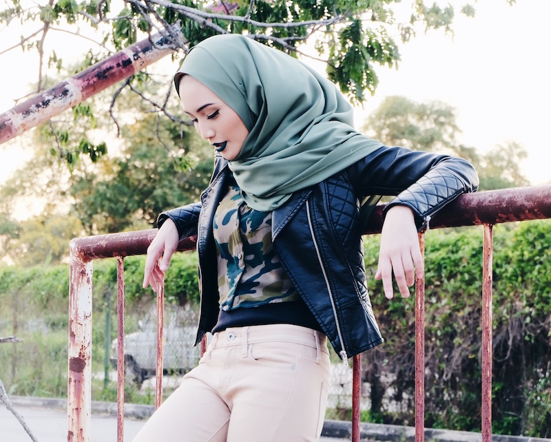Bash Harry Brunei Hijjabi Beauty, Fashion Life & Style Blogger wearing ColourPop green lipstick and Lyys' Closet shawl, and H&M leather jacket