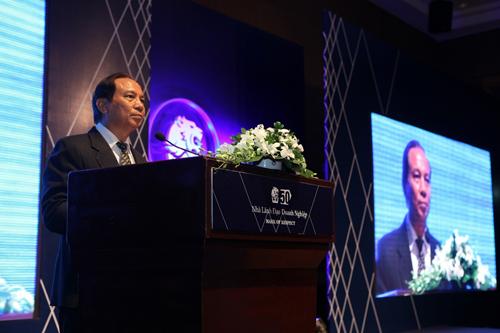 Ông Đỗ Nhật Thanh, Phó tổng biên tập tạp chí Nhịp cầu Đầu tư phát biểu khai mạc.