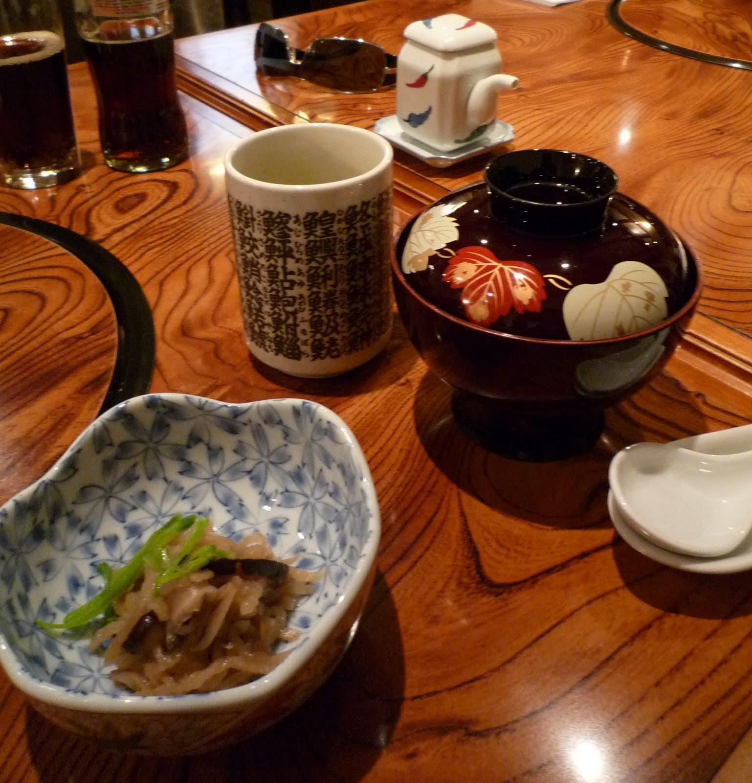au comptoir de m un restaurant typique japonais nice. Black Bedroom Furniture Sets. Home Design Ideas