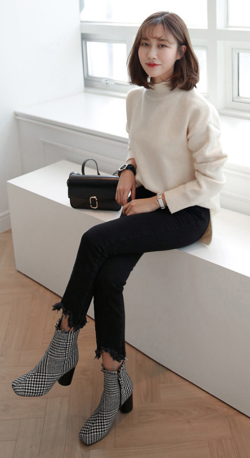 High Neck Knit Long-Sleeved Top