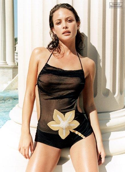 celebrities in hot bikini  josie maran