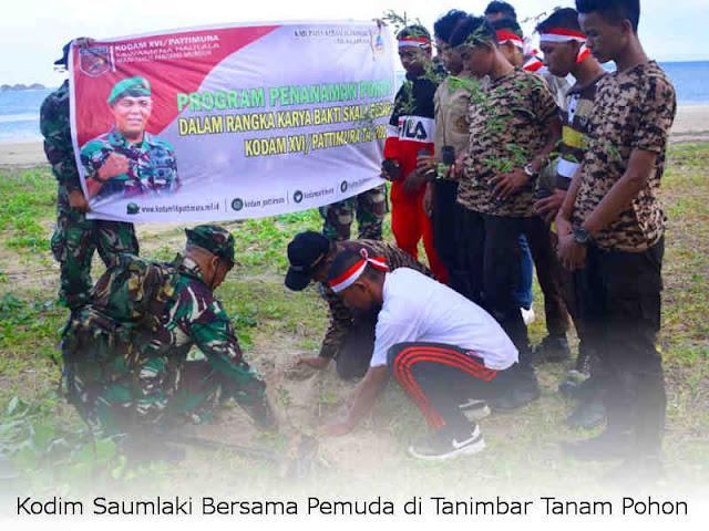 Kodim Saumlaki Bersama Pemuda di Tanimbar Tanam Pohon