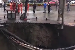 giant sinkhole in China