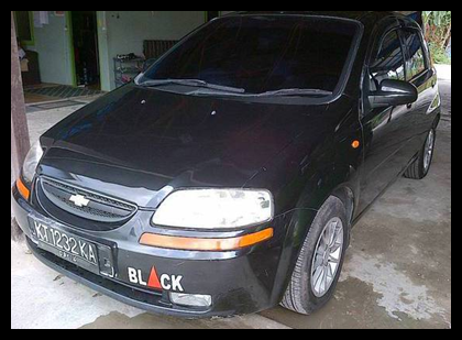 iklan bisnis samarinda dijual mobil chevrolet aveo mt 1 5 2004 warna hitam harga nego. Black Bedroom Furniture Sets. Home Design Ideas