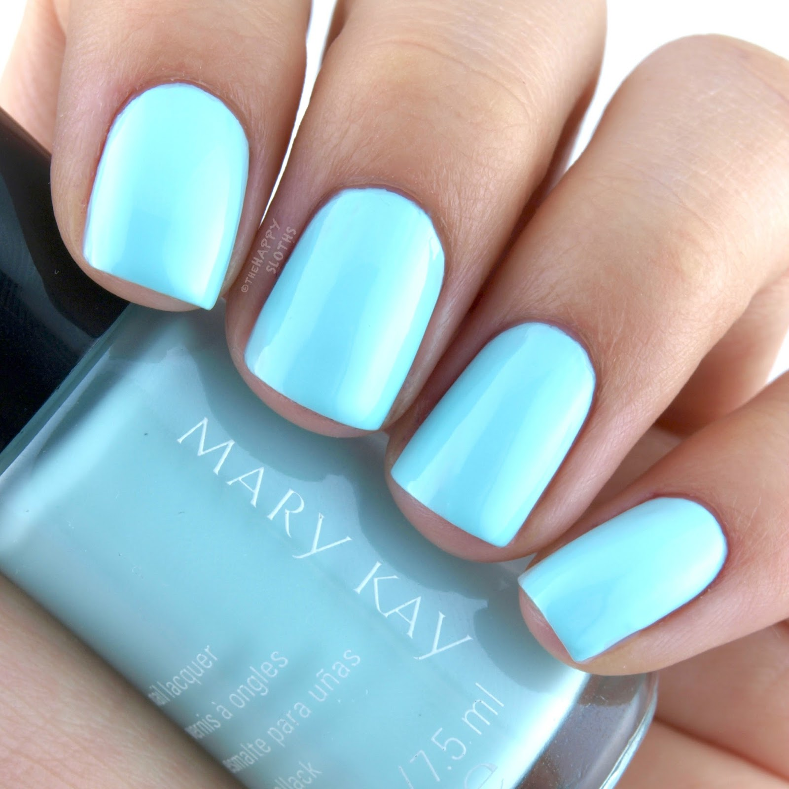 Mary Kay Spring 2017 Light, Reinvented Collection Nail Lacquer New Blue: Review and Swatches