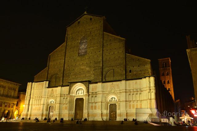Bazylika św. Petroniusza (Basilica di San Petronio) na Piazza Maggiore