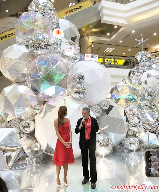 A Glistening Christmas, 1 Utama, Holographic Crystal Ball, Arty PlayRooms, Shopping Mall Decoration, Futuristic Christmas Decor, Petaling Jaya Shopping Mall, Malaysia Top Shopping Mall, Lifestyle