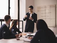 Tips Memilih Lembaga Les Bahasa Inggris untuk Dewasa
