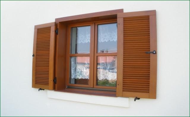 okiennica drewniana, montaż okiennicy na opasce, producent okiennic,