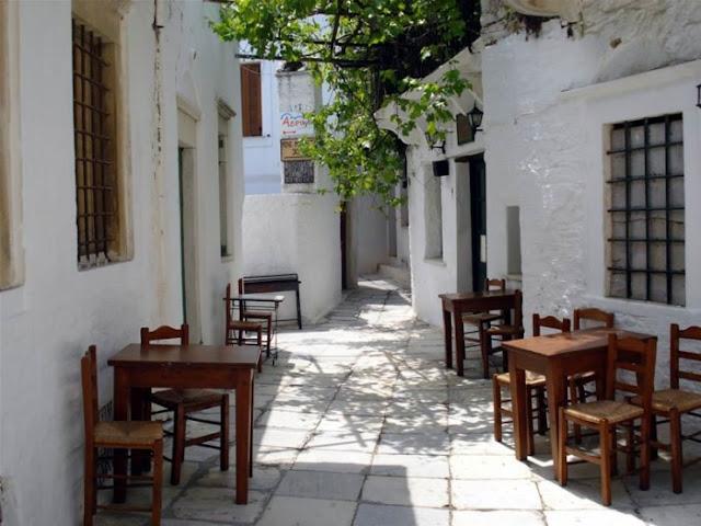 Καφενείο στο χωριό Απείρανθος, Νάξος