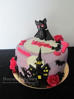 Bolo de aniversário Chica Vampiro doces opções