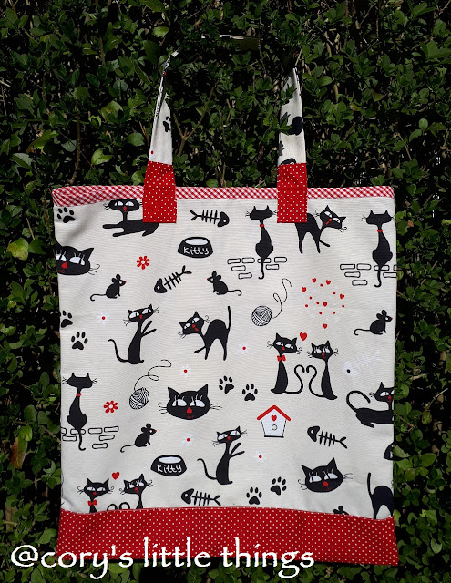 """""""The wander cats party"""" tote bag"""