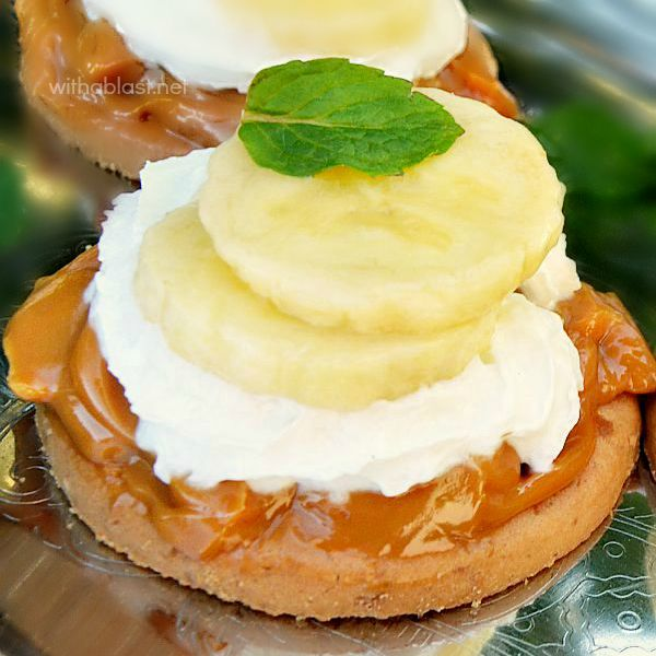What a heavenly treat ! Caramel lovers - this is a must for you and these Mini Banoffee Pies only take a couple of minutes to put together
