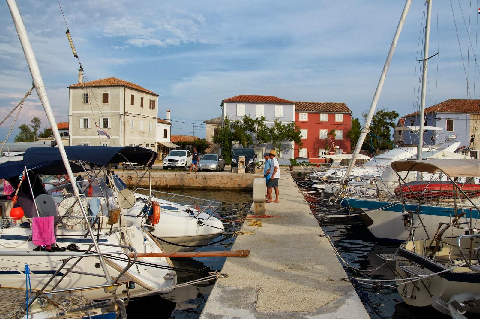 przystań jachtowa w Chorwacji Nerezine