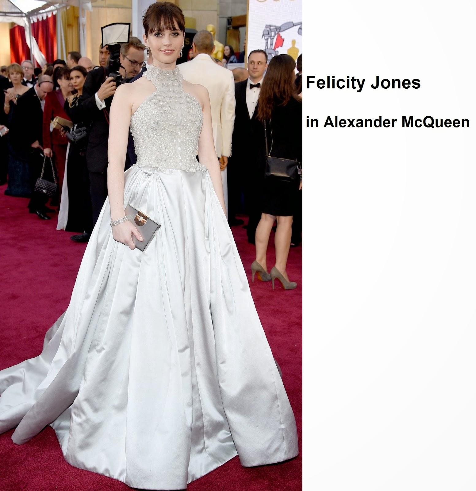 Felicity%2BJones%2Bin%2BAlexander%2BMcQueen - Look Óscares 2015