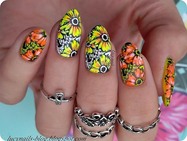 kwiaty-na-paznokciach