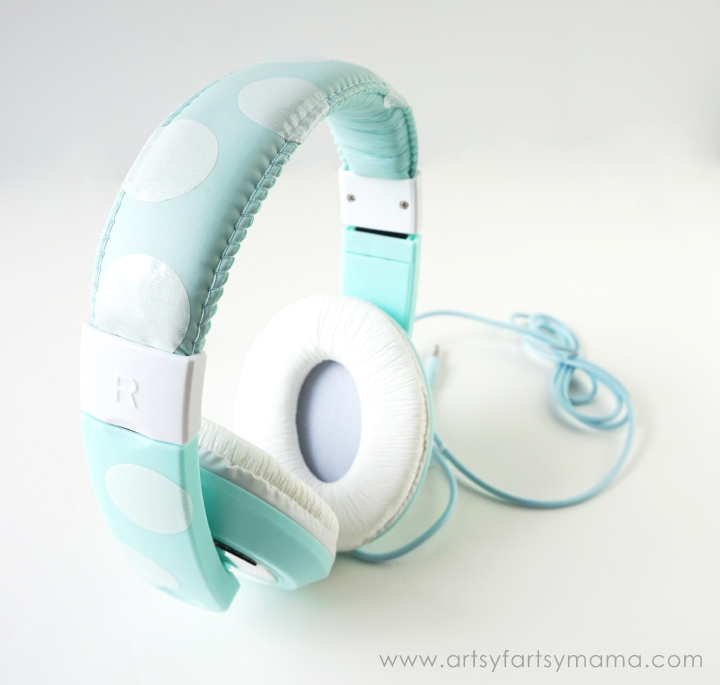 Custom Polka Dot Headphones at artsyfartsymama.com