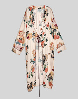 https://www.pullandbear.com/be/en/woman/festivals/view-woman/long-floral-print-kimono-c1030051003p500253067.html#622