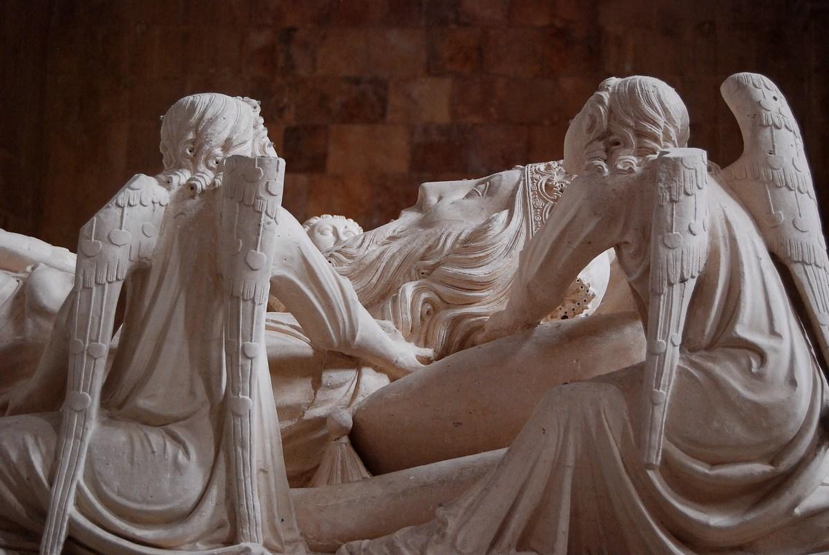 tombeau du Roi Pedro Ier Alcobaça