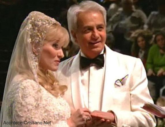 Matrimonio de Benny Hinn