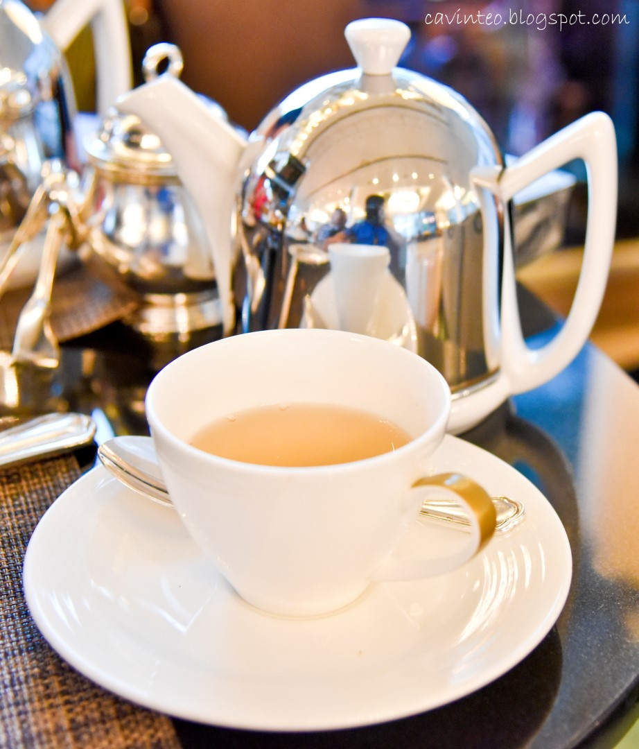 Fullerton Hotel High Tea: Entree Kibbles: The Landing Point