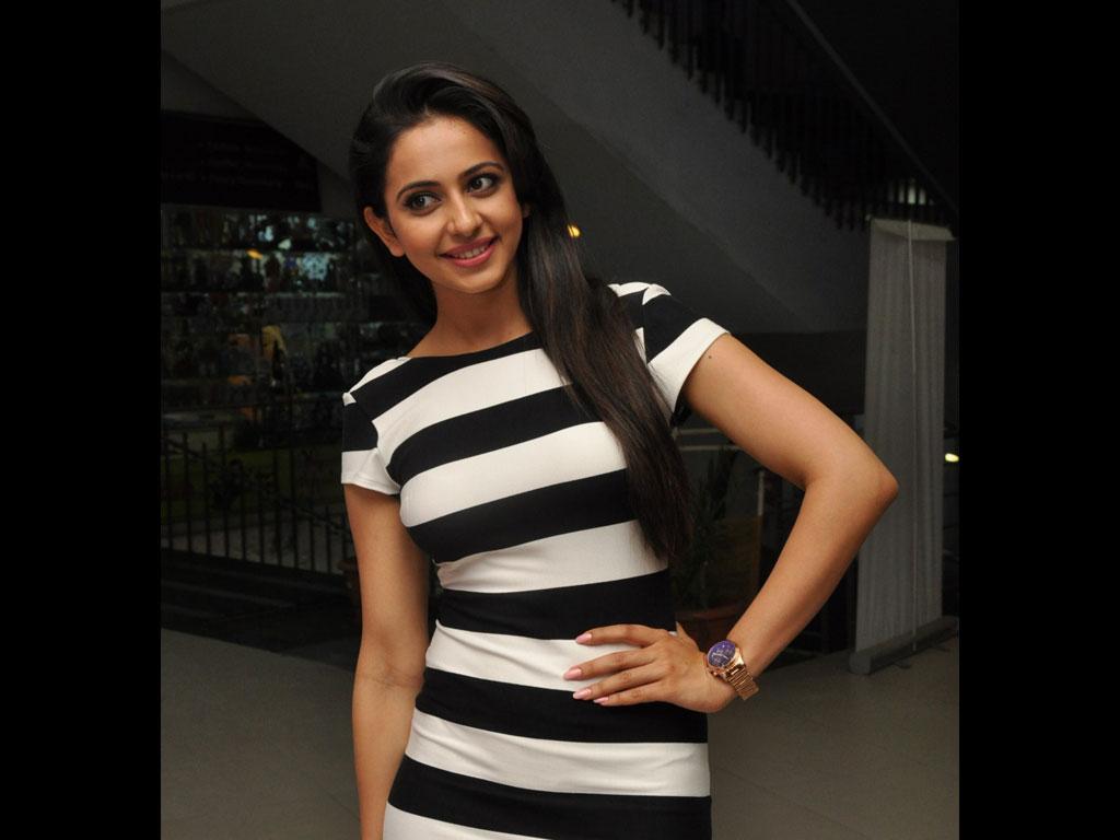 South Indian Actress Rakul Preet Singh Latest HD Wallpaper