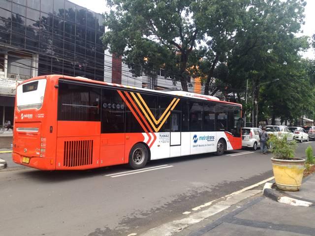 Cara Menuju Monas Dari Serpong Menggunakan Commuter Line + Bus Metro Trans