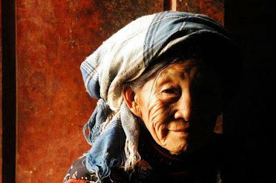 kisah nenek tua Lupakan Kebaikan, Maafkan Kesalahan