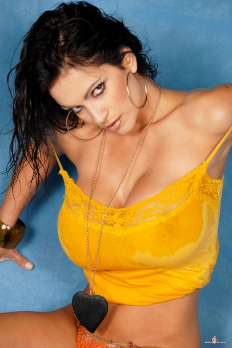 Denise Milani Big Boobs Photos  My 24News And Entertainment-4915