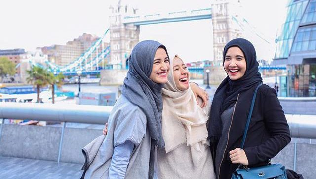 Jadilah Wanita yang Mengajak pada Kebaikan, Meski Dirimu Bukan Ustadzah