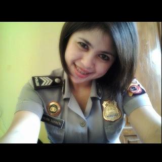 Model Rambut Pendek Polisi Wanita Atau Polwan