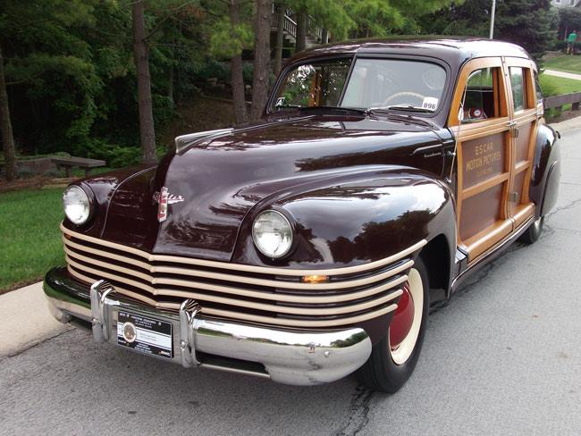 just a car guy only about 20 six passenger 1942 town country woody station wagons with a. Black Bedroom Furniture Sets. Home Design Ideas