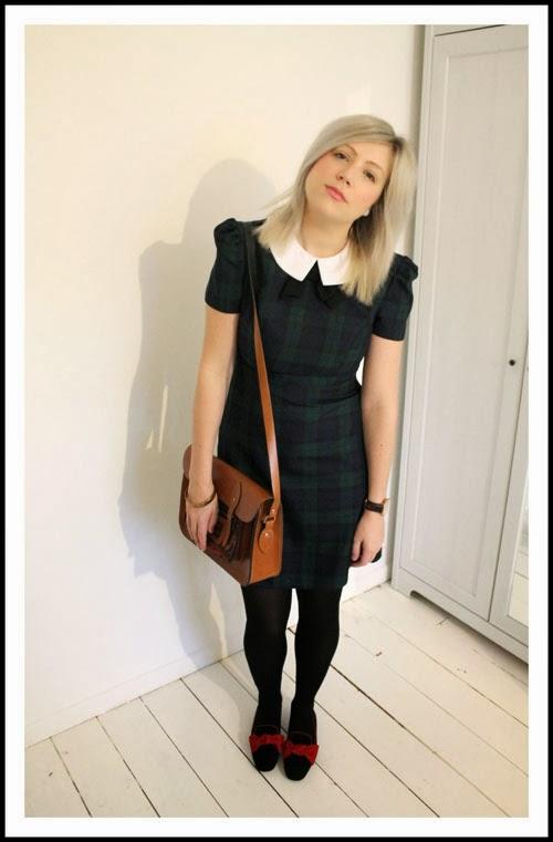 tartan dress outfit post