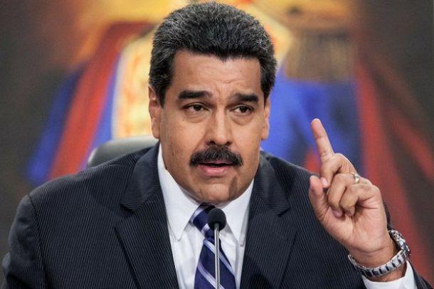 """Maduro llama a la oposición al diálogo aunque pide """"neutralizar"""" a Parlamento"""