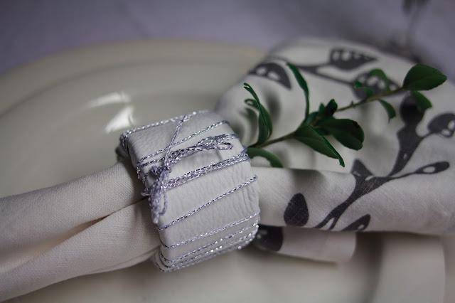 diy servettirengas, valkoinen nahka