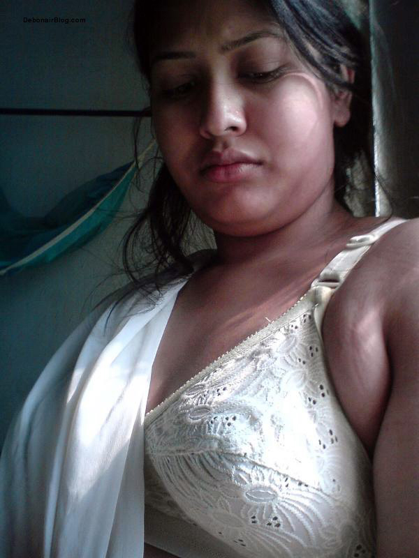 Hot Bollywood Aunty Bengali Bhabhi In Bra