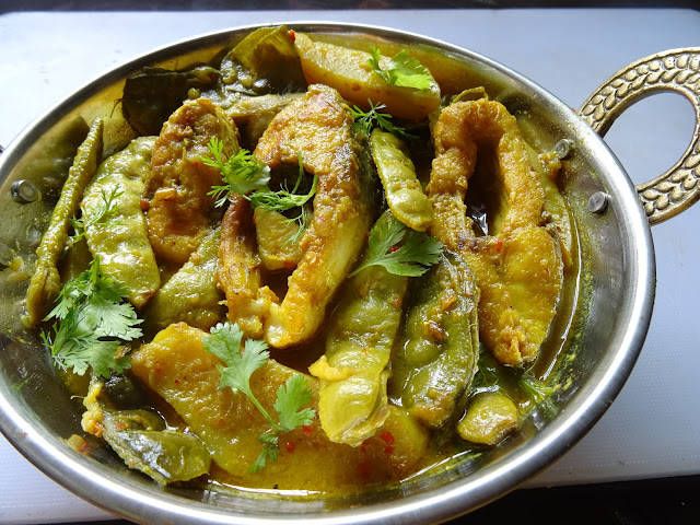 Fish curry with hyacinth beans & potatoes