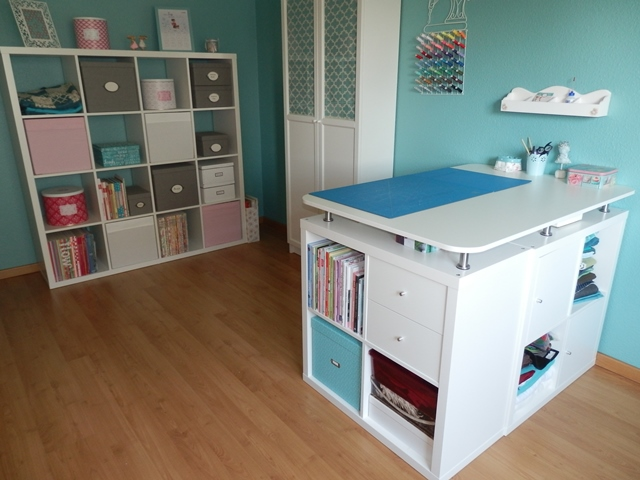amicarum. Black Bedroom Furniture Sets. Home Design Ideas