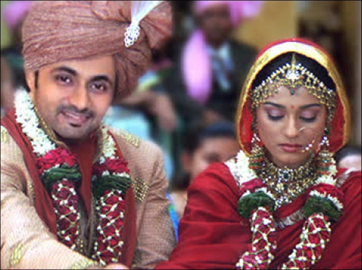 RJ Anmol And Amrita Rao Vivaah Actress Wedding