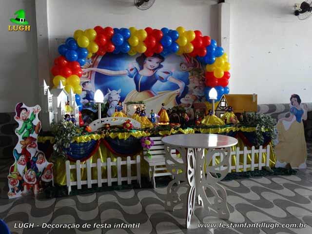 Festa infantil - Decoração tema Branca de Neve para festa infantil de meninas