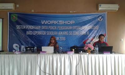 Narasumber dari dinas Dikdikbud Kutai Timur pada Kegiatan Workshop Dapodik Kutai Timur