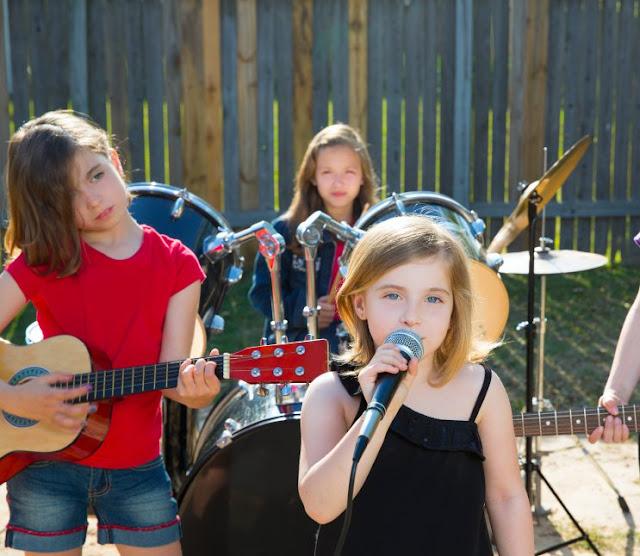 Những lợi ích tuyệt vời mà âm nhạc mang lại cho trẻ