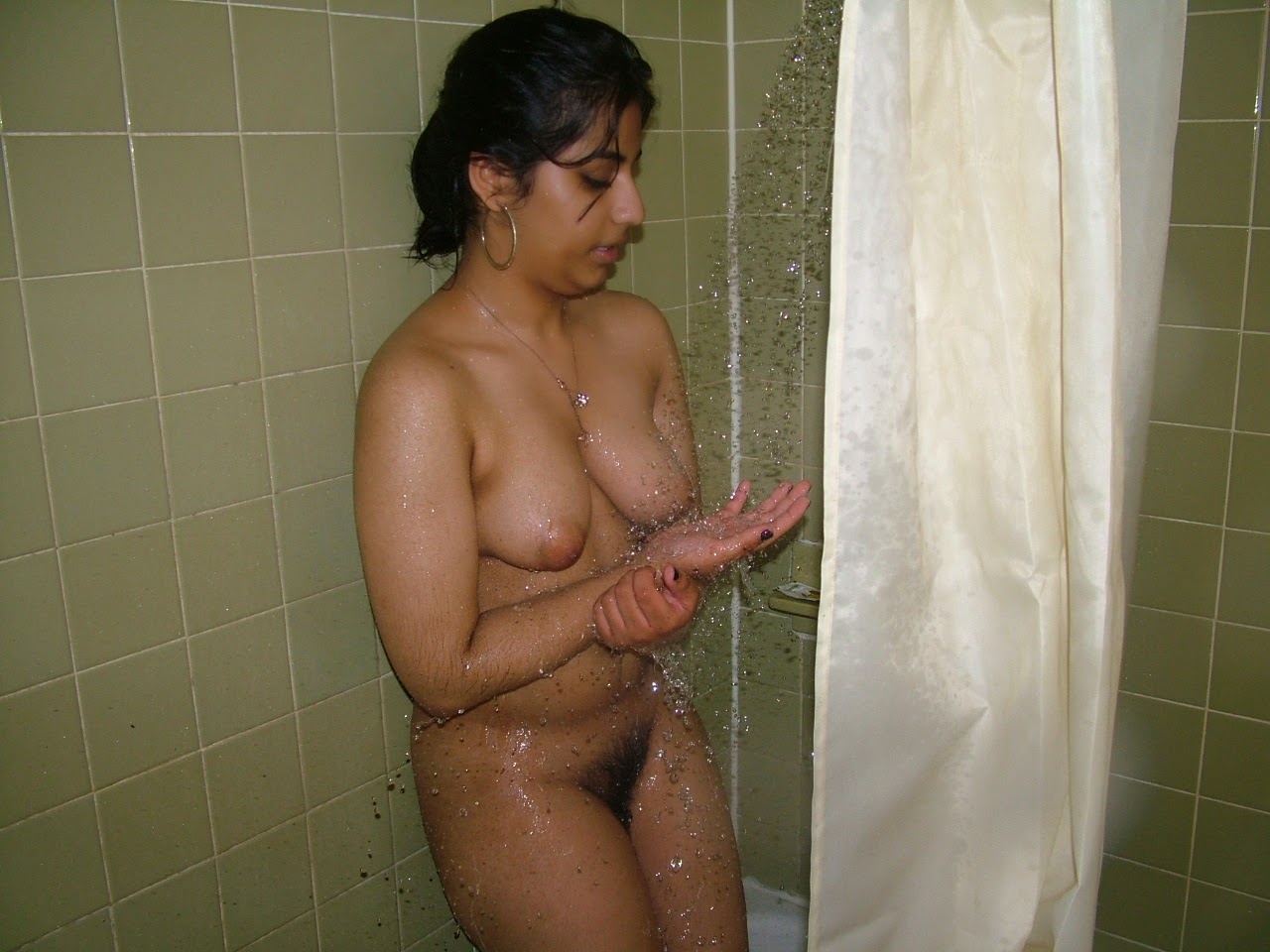 women noticed plump men masturbate to her