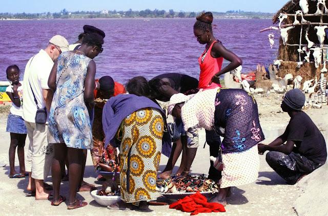 Visitar o LAGO ROSA no deserto do Senegal e ver os pescadores tradicionais | Senegal